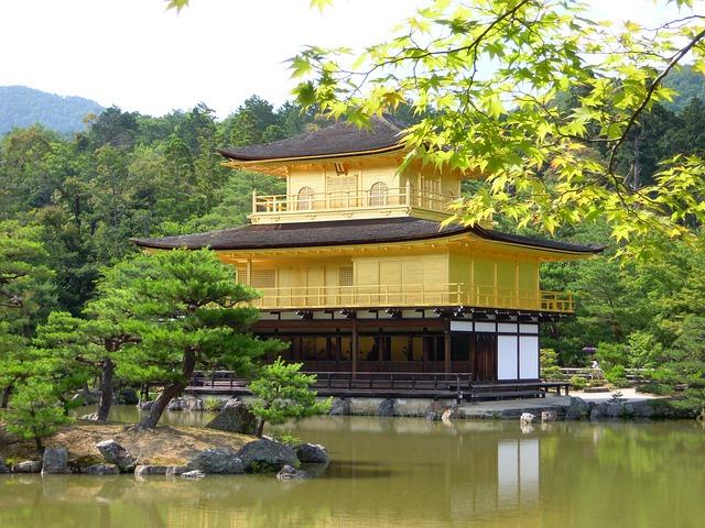金閣寺の様子です。