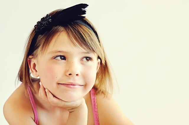 小学生のかわいい女の子
