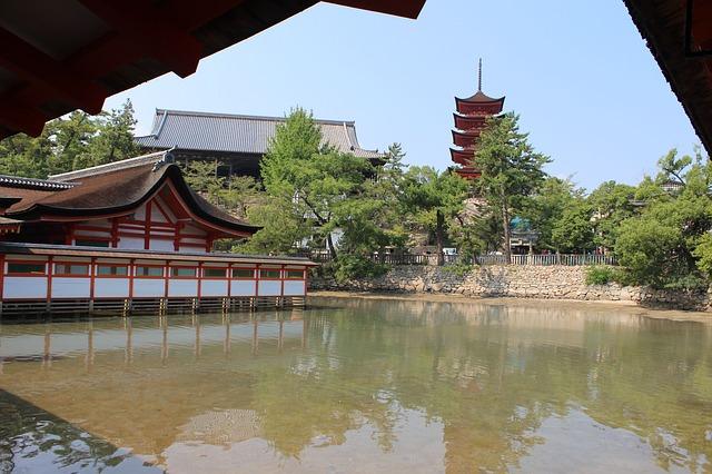 厳島神社を観光