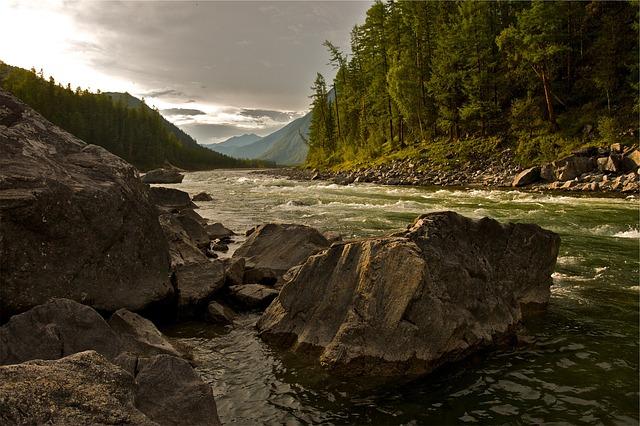 creek-593146_640