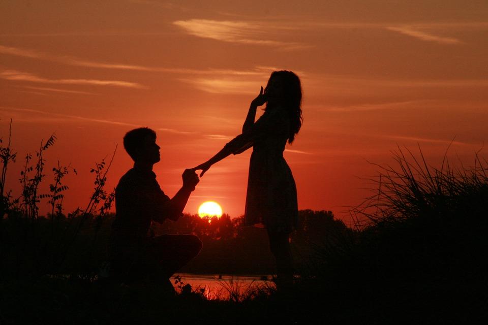 couple-915991_960_720