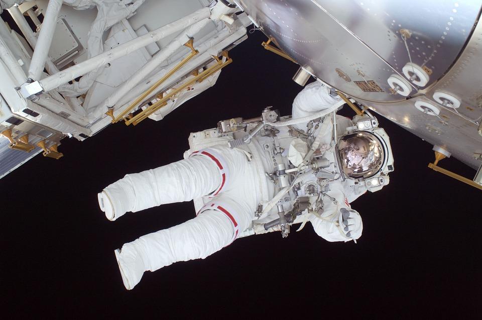 astronaut-602759_960_720